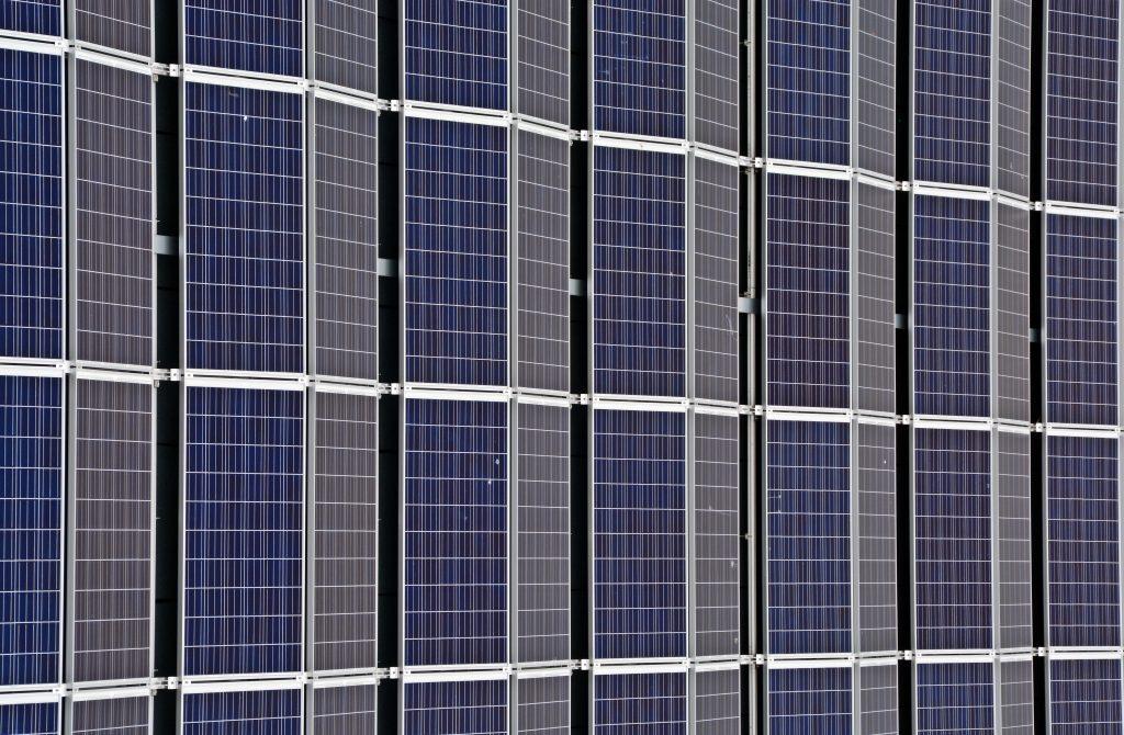 paneles solares en gdmth