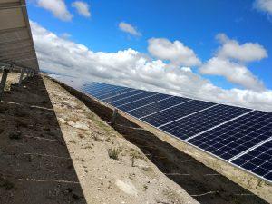 parque solar con trackers