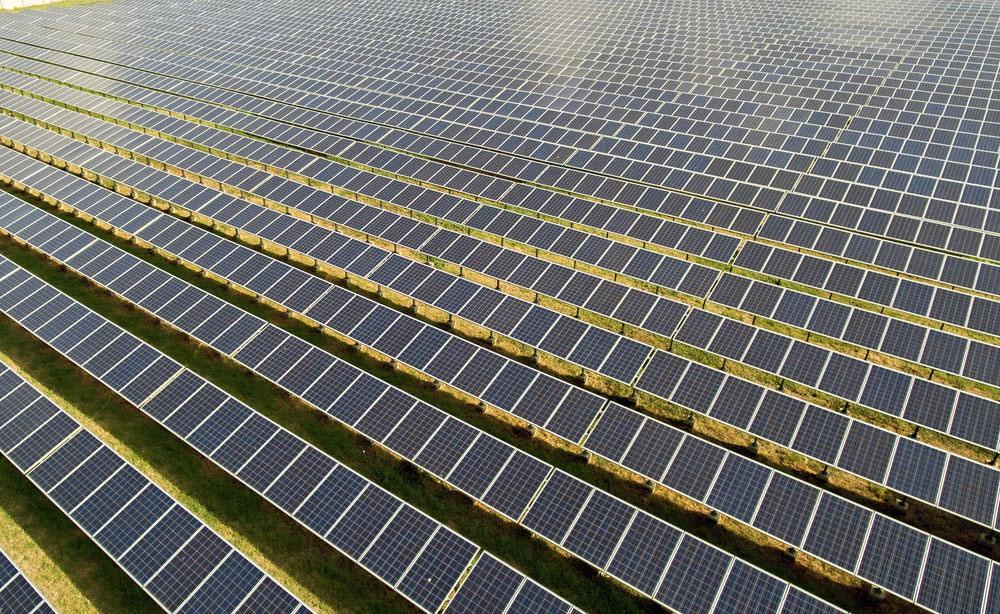 Gran demanda en media tensión horaria con paneles solares