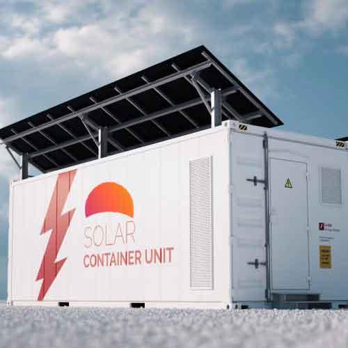 Baterias cargando con paneles solares para empresas